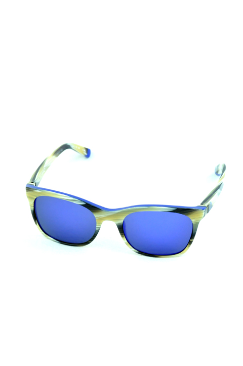africa-03-horn-blue1