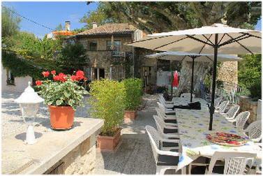 Cornillon, Gard, Languedoc-Roussillon, France, hebergement